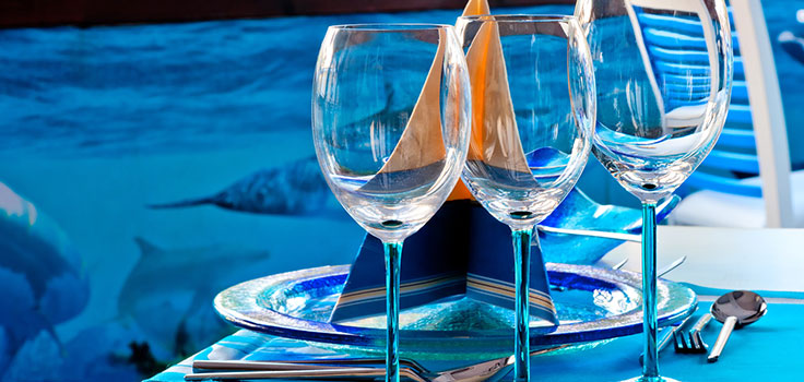 wine-glasses-aquarium