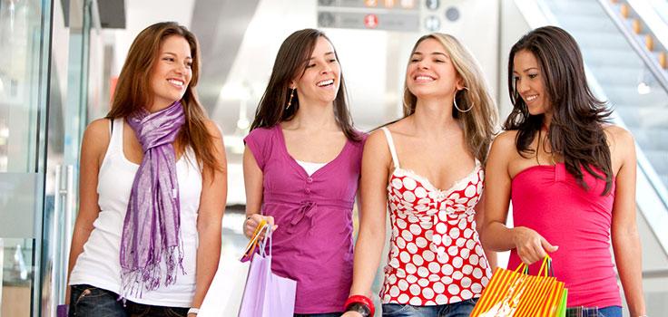 group-girls-shopping
