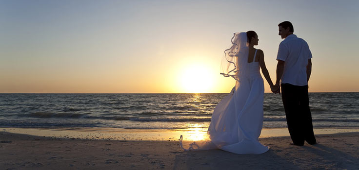 beach-wedding-bride-groom
