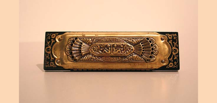 antique-harmonica