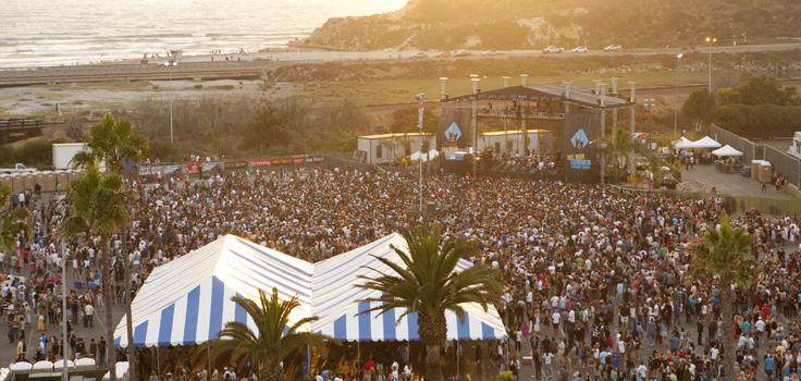 Concert Crowd_Beach copy