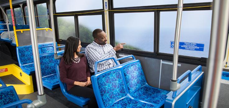 BREEZE Bus Couple